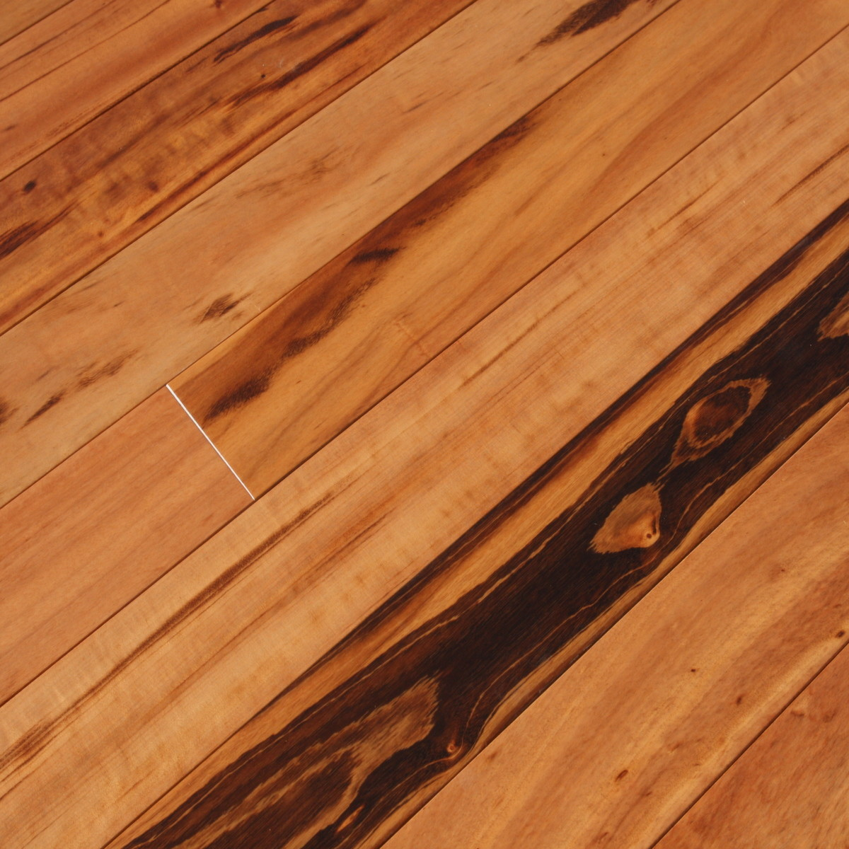 Tigerwood plank hardwood flooring prefinished solid for Hardwood decking planks