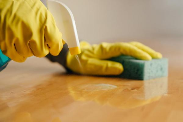 How to Deal With the Top 10 Common Messes on Hardwood Floors