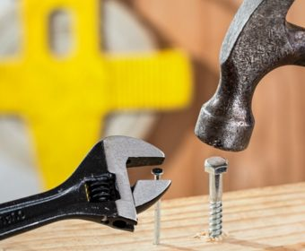5 Warning Signs of a Bad Contractor