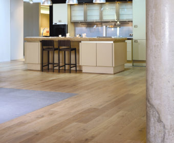 Why an Increasing Number of Homeowners Are Choosing White Oak Flooring